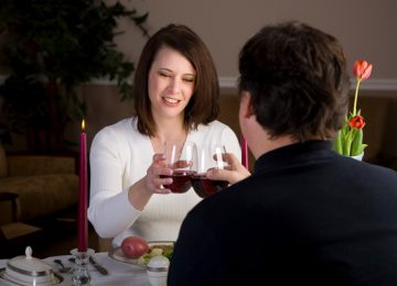 Why Frugal Romantic Dates Win Hands Down Against The More Extravagant Kind