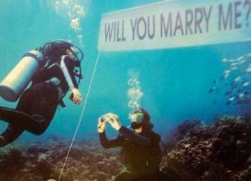 Scuba Diving Marriage Proposal – The Story of Luke and Emily