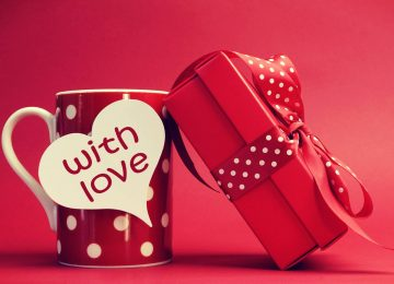 10 Most Amazing Valentine Gifts For Her!