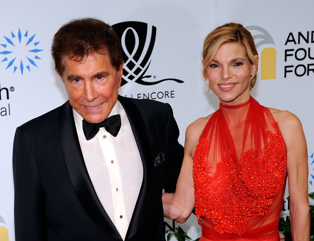 Wives and Girlfriends of the World's Richest Men!