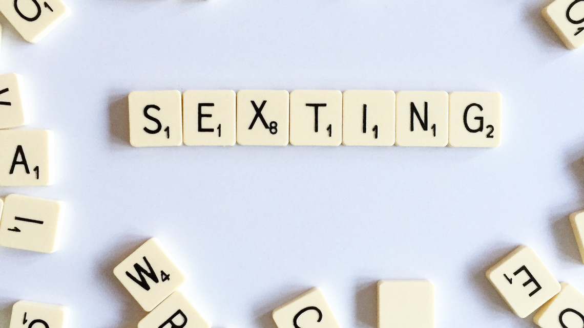 50+ Sexting Example Ideas to Turn a Girl On!