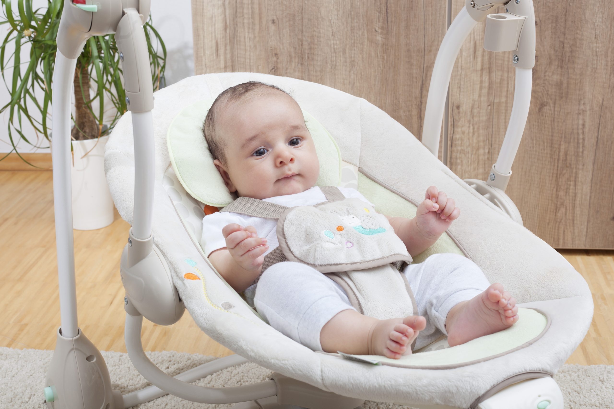 5 Most Awesome Baby Swings in 2021 – Your Baby Will Love This!
