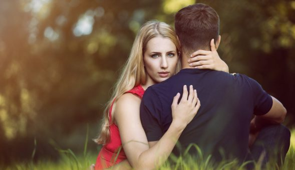 12 Signs She Is Hiding Her Feelings for You Though She Likes You