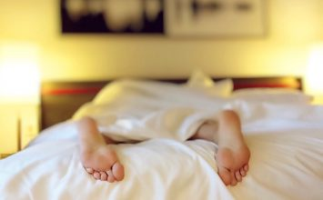 Bad Sleeping Habits Can Hurt Relationships: How to Find a Solution